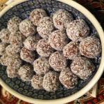 Date-Almond Truffles - yum!